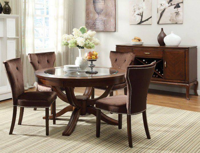 Round Kitchen Tables With Chairs