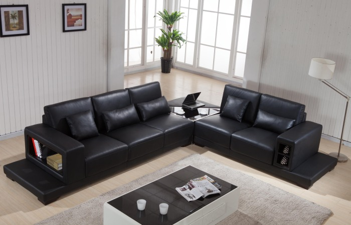 Pretty Antique Style Leather Sofas For Living Room: Couple Edition