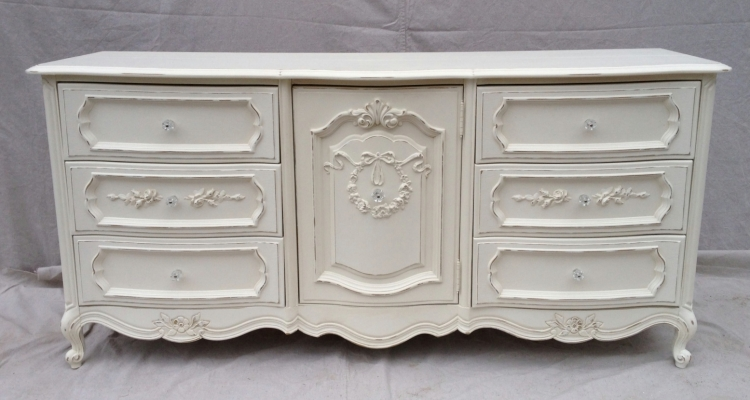 Antique White Bedroom Dressers to make your Room Better
