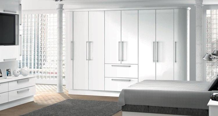 Characteristics of Tall Bedroom Wardrobe Cabinets