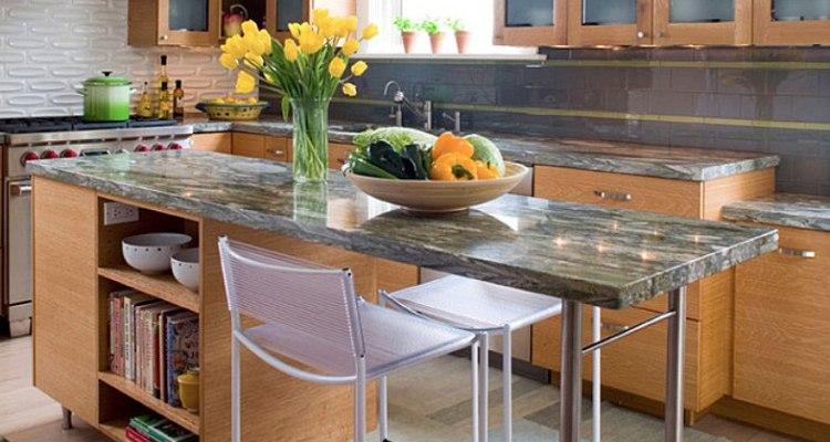 Modern Small Kitchen Design with Island