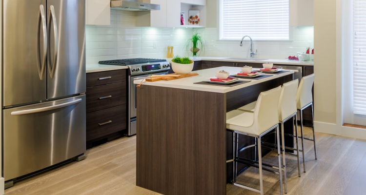 Modern Small Kitchen Design with Island