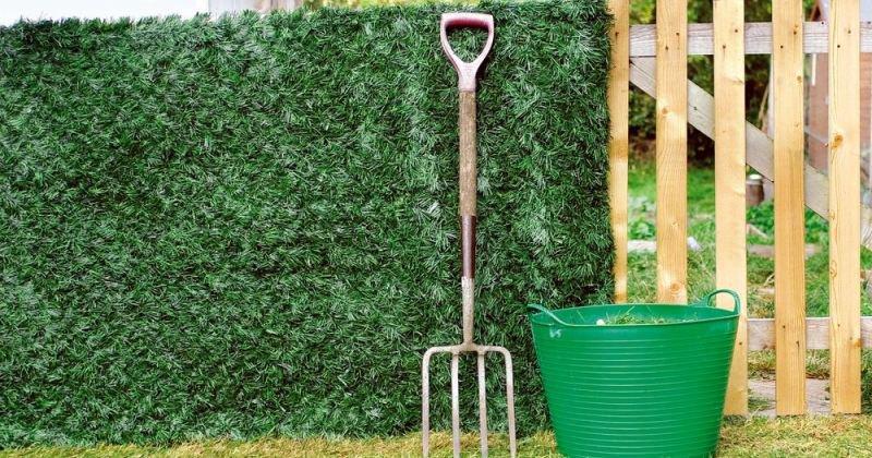 Artificial conifer garden hedge screening