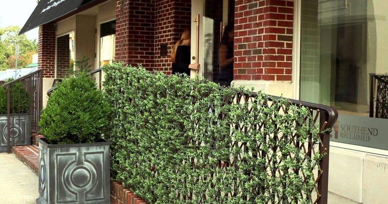Artificial garden trellis screening