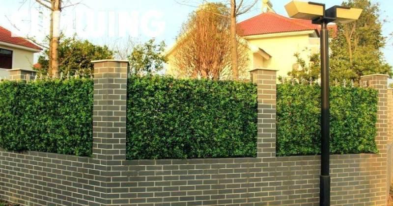 Artificial ivy garden screening