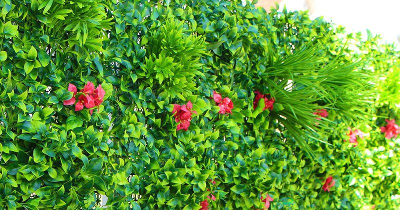 Artificial leaf garden screening