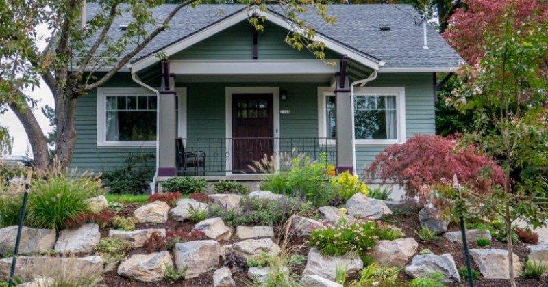 Front yard landscaping rocks