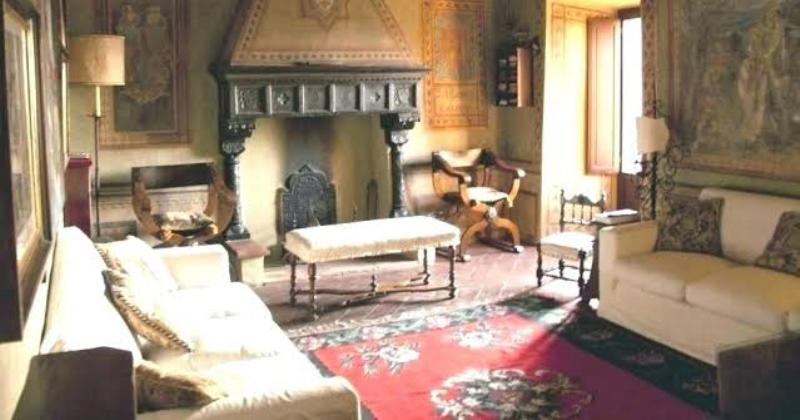 Gothic living room suite
