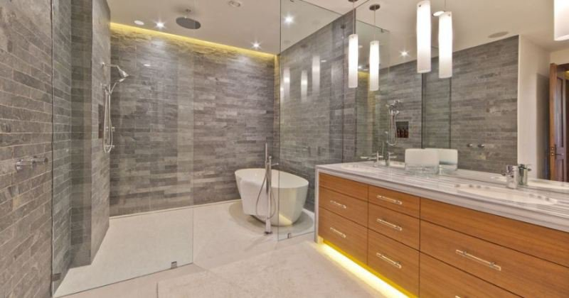Modern design shower enclosure