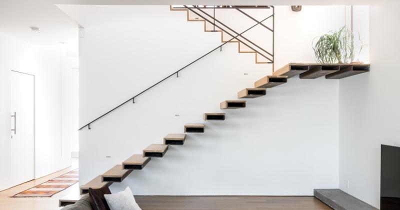 Sculptural staircase design in steel