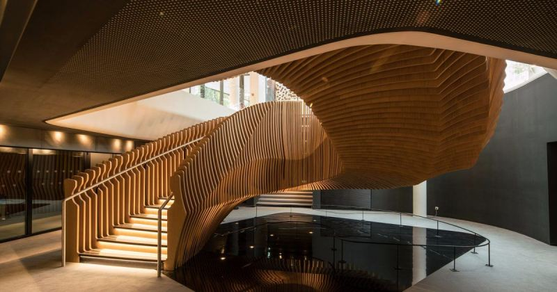 Sculptural staircase design wood