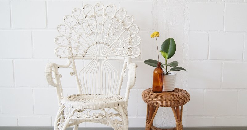 White rattan peacock chair