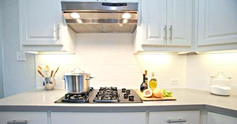 Backsplash over laminate