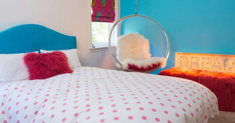 Chairs for teenage girl bedroom