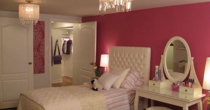 Chandelier for teenage girl bedroom