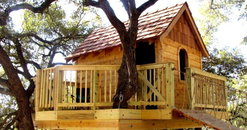 Children's treehouse on stilts