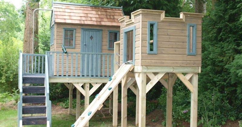 Children's treehouse or playhouse