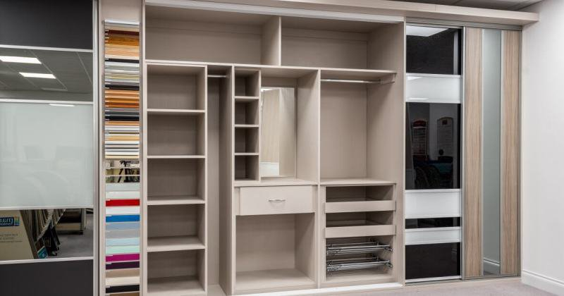 Closet drawers design