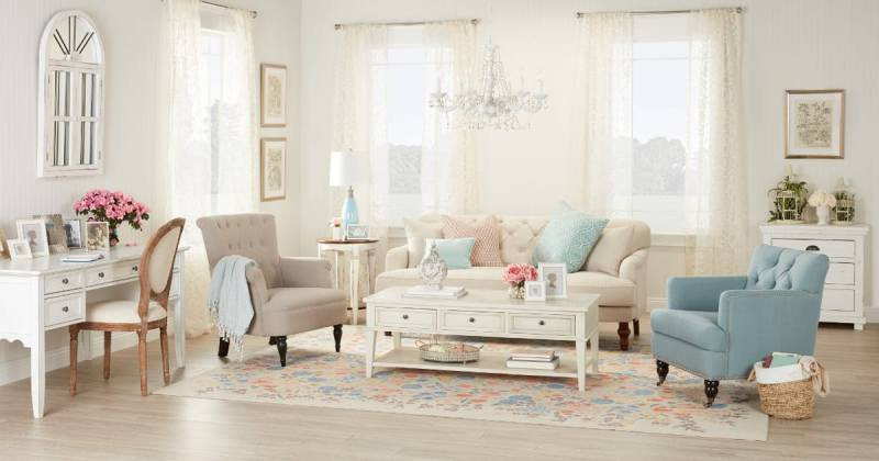 Country chic couches