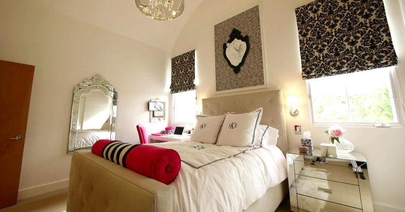 Decor for teenage girl bedroom
