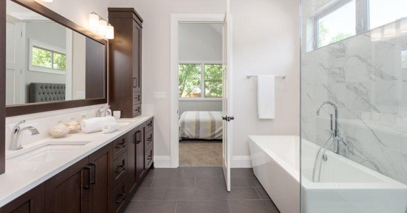 Easy to clean bathroom design idea