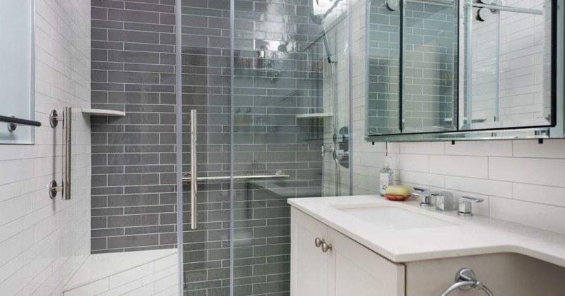 Elegant bathroom designs for small spaces