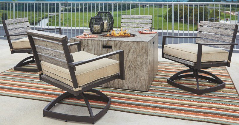 Fire pit table and four chairs