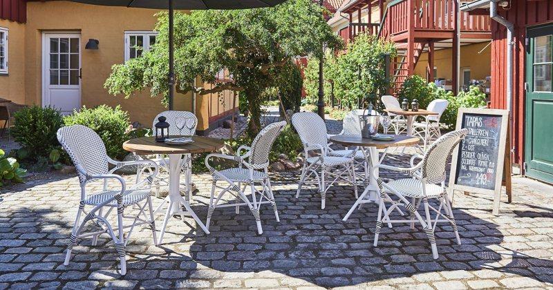 French bistro garden furniture