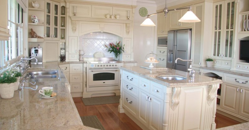 French provincial kitchen style
