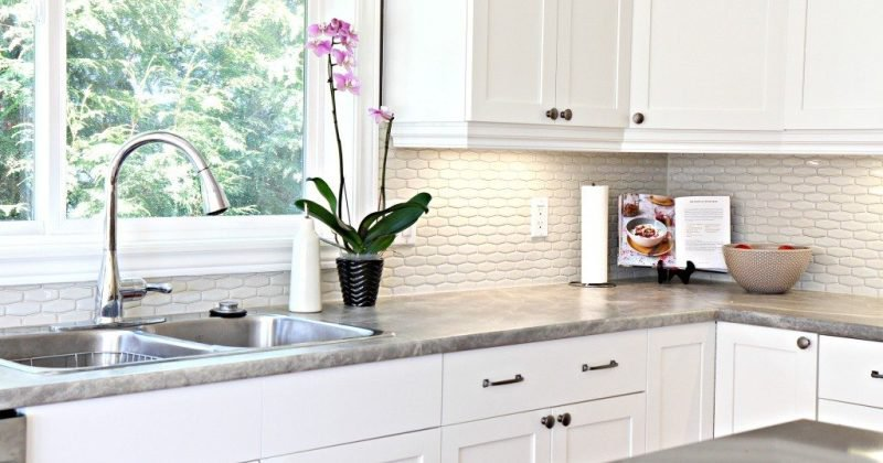 Kitchen backsplash ideas with laminate countertops