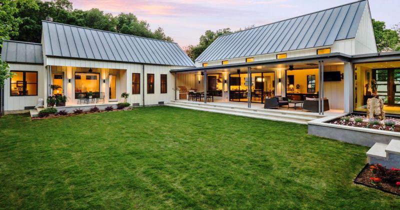 Open concept modern farmhouse floor plans