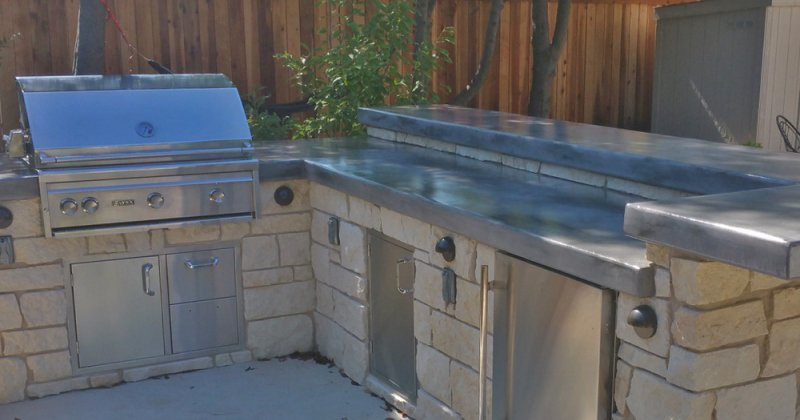Outdoor kitchen concrete countertops