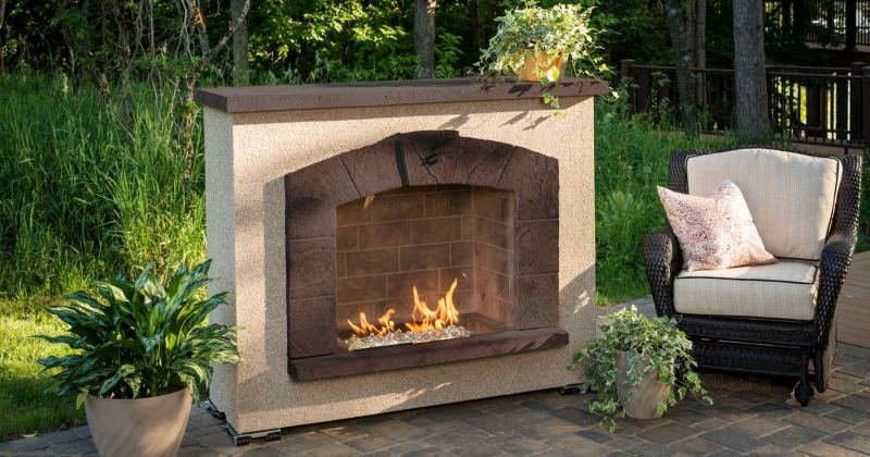 Portable outdoor electric fireplace
