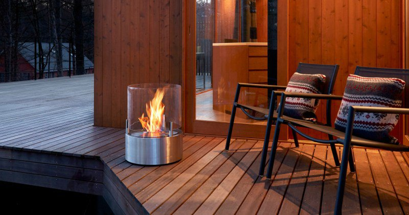 Portable outdoor ethanol fireplace
