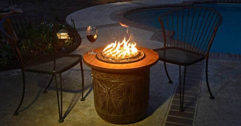 Portable outdoor fireplace propane