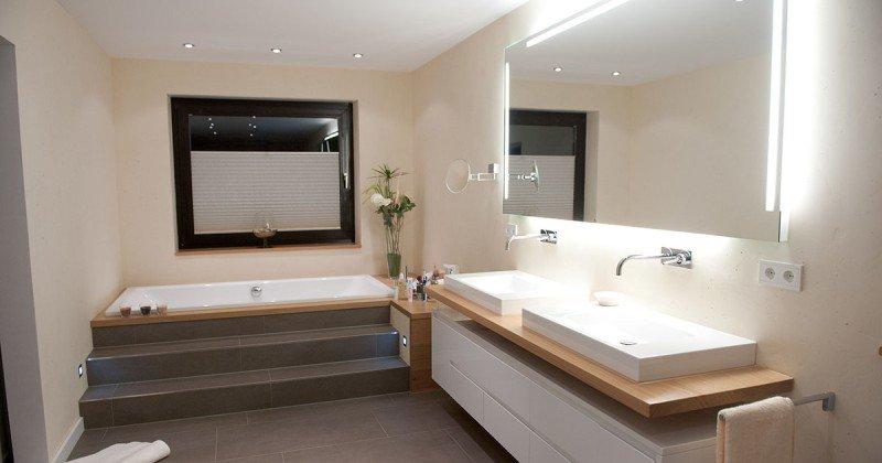 Scandinavian bathroom decor