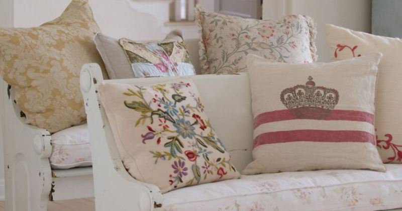 Shabby chic couch pillows