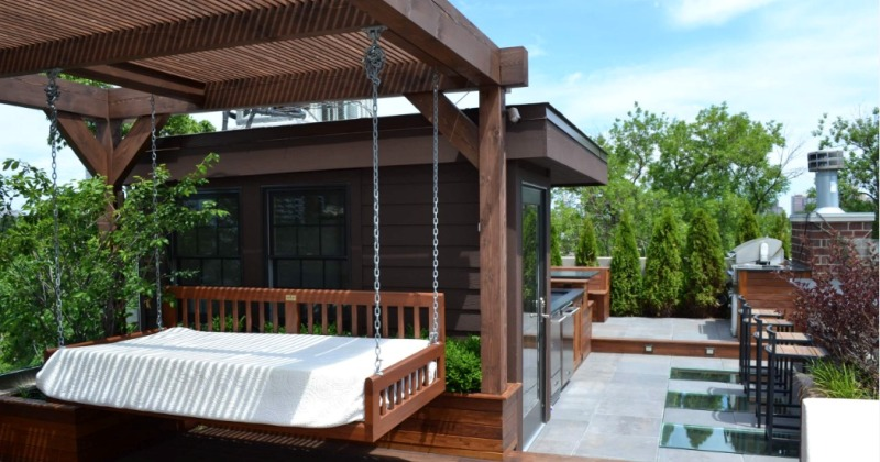 Simple roof deck design