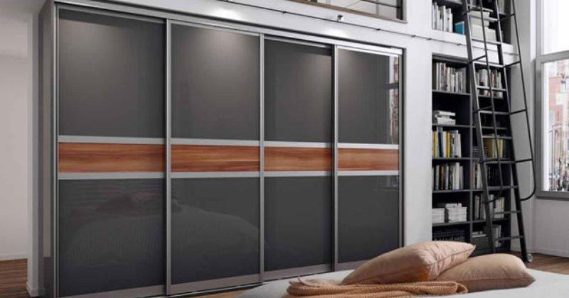 Sliding wardrobe frame