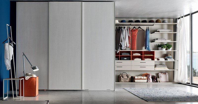 Sliding wardrobe inside