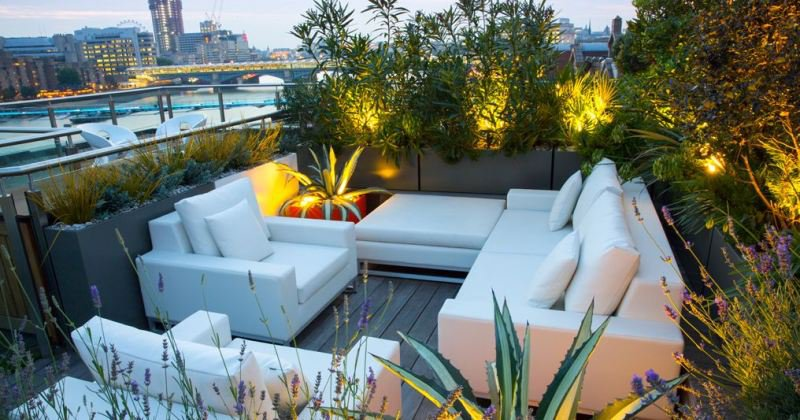 Small roof terrace design london