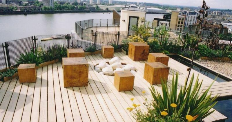Small simple terrace design