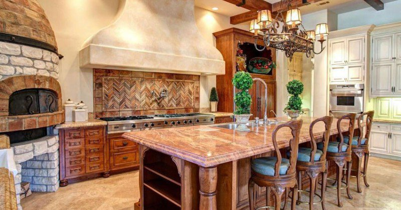 Tuscan kitchen out of style