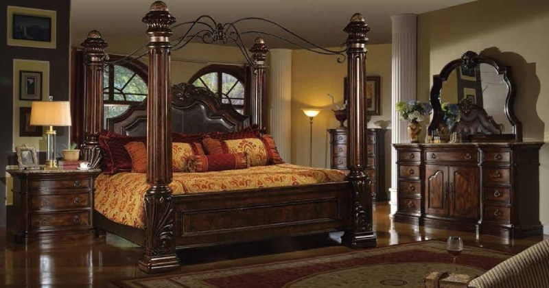 Canopy bed bedroom set