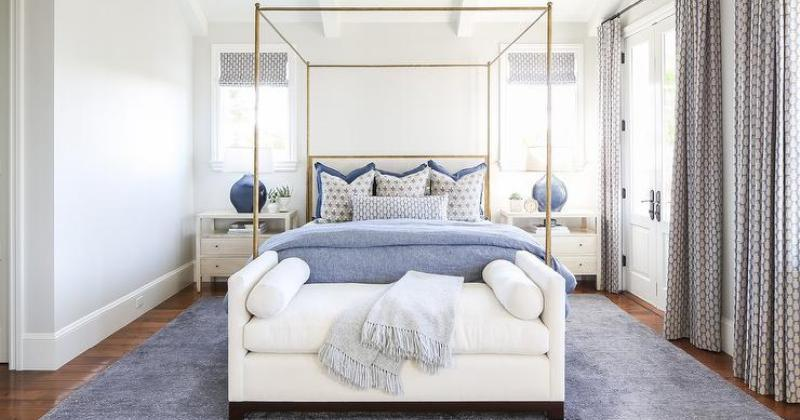 Canopy bed blue bedroom