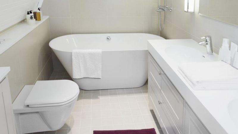 Cozy small bathroom
