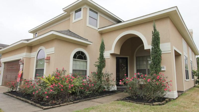 Curb appeal ideas for stucco homes