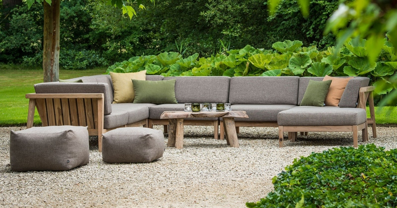 Invest in Outdoor Lounges