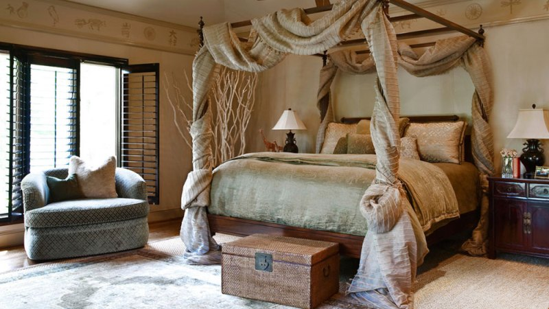 Master bedroom canopy bed ideas