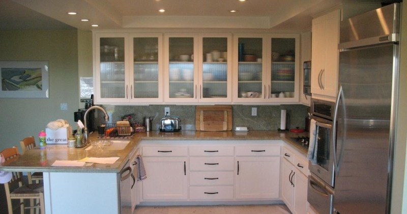Refacing kitchen cabinets with glass doors